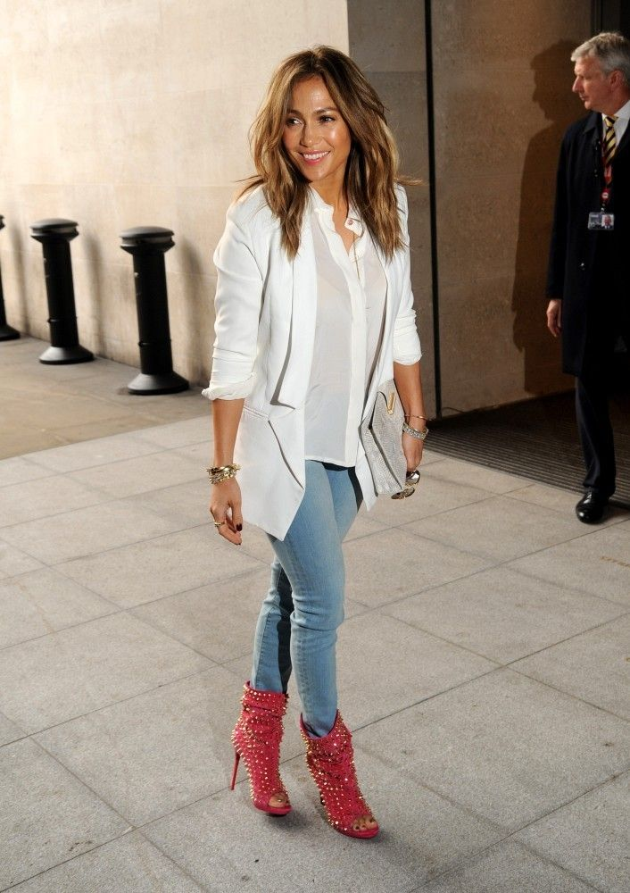 Haute Pink: Jennifer Lopez Matches Her Lips to Her Heels