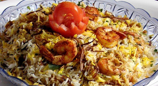 Prawn Biryani or jhinga biryani is one delicious meal to make a day special. It is one of those dishes enjoyed by the entire family together, especially if you have prawn fans at home. Prawn biryani is originally a Malabar dish that became a famous part of the Mughlai cuisine. At first, this prawn biryani recipe may seem lengthy. But this easy step-by-step recipe will help you learn how to make prawn biryani.
