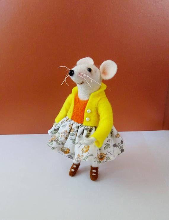 Felt mouse  Needle felt animal Felt doll Miniature animal