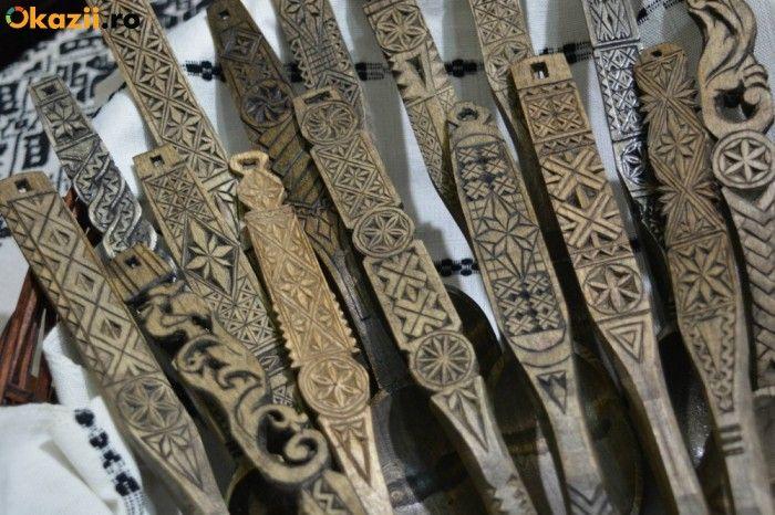 linguri de lemn traditionale romanesti sculptate - CLIPE TRAITE ALTFEL !