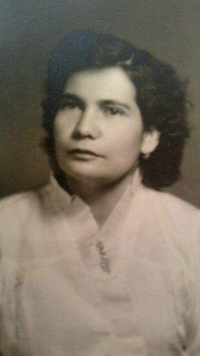 María de la Luz Mata Macedo 1921-1914 hija de José María Mata Curiel y Elena Macedo Dueñas, nació en el Rancho de Acatitlán Mpio. de Atenguillo, Jalisco
