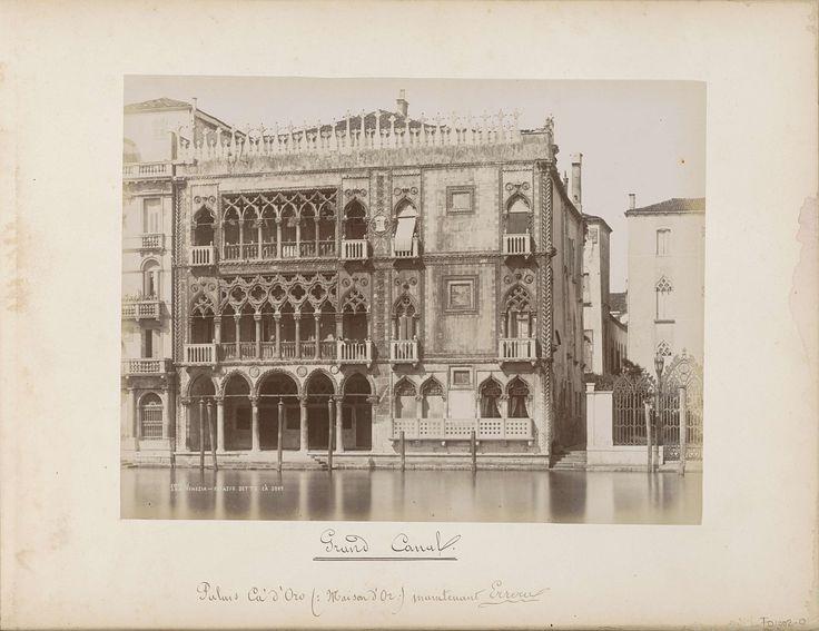 Carlo Ponti | Ca' d'Oro aan het Canal Grande in Venetië, Carlo Ponti, 1860 - 1881 | Onderdeel van Topografisch album van Venetië 1881.