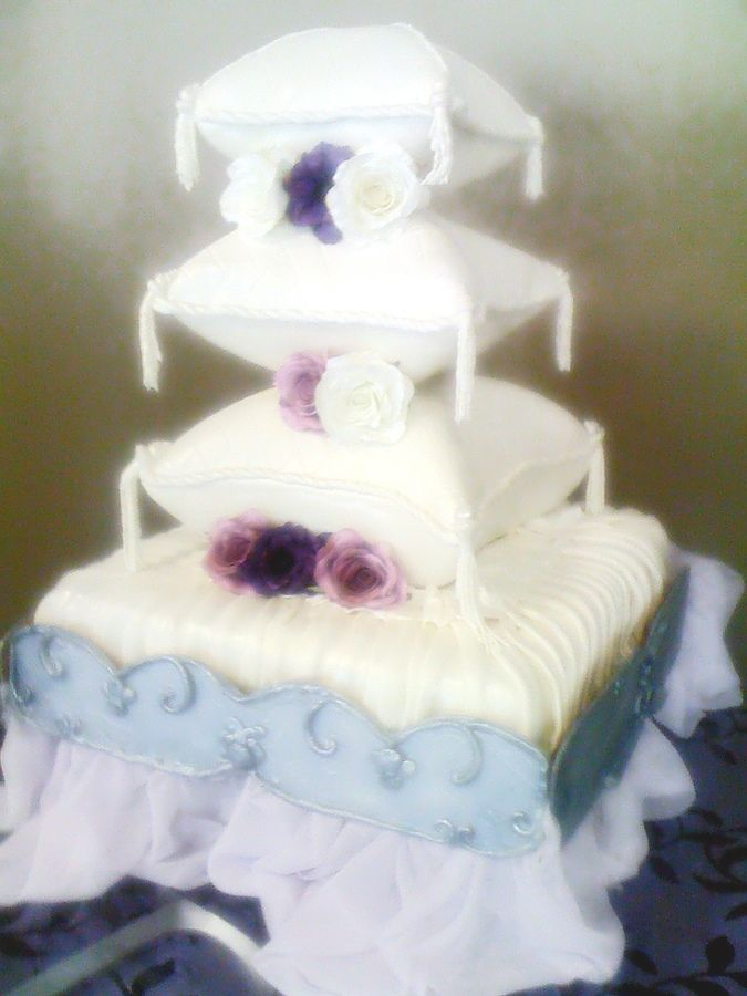 stacked+sheet+cakes | Huge sheet cake with stacked pillow shaped cakes, with pastillage ...