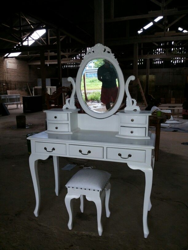One Set, white orient table Ready for putting on your house