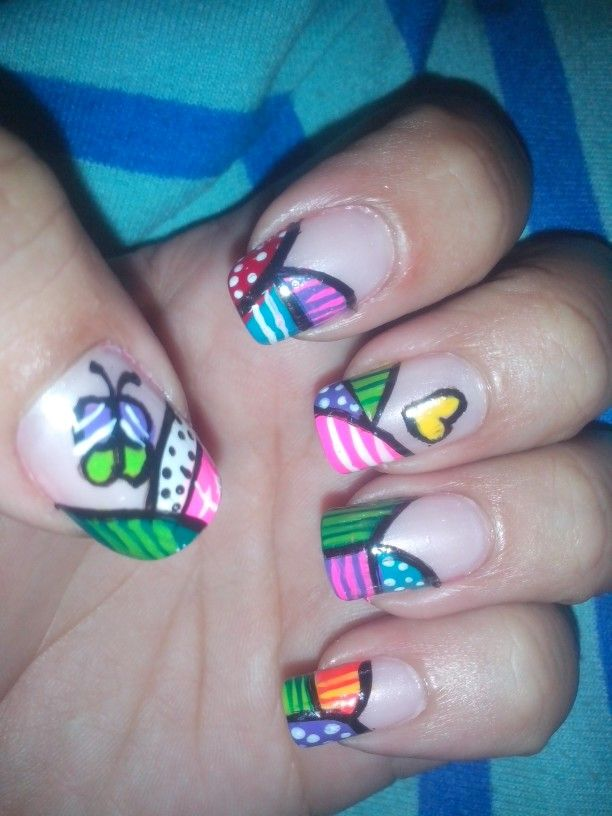 Arte brito en tus uñas