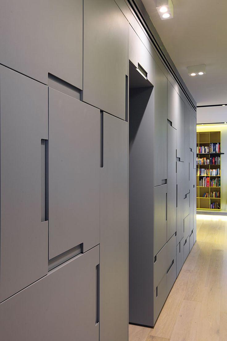 דירת בוטיק בתל אביב עם פתרונות אחסון מפתיעים  עיצוב לוסי ויקנין וליטל רוזנשטיין , צילום עוזי אפרת http://bit.ly/1CB996Q