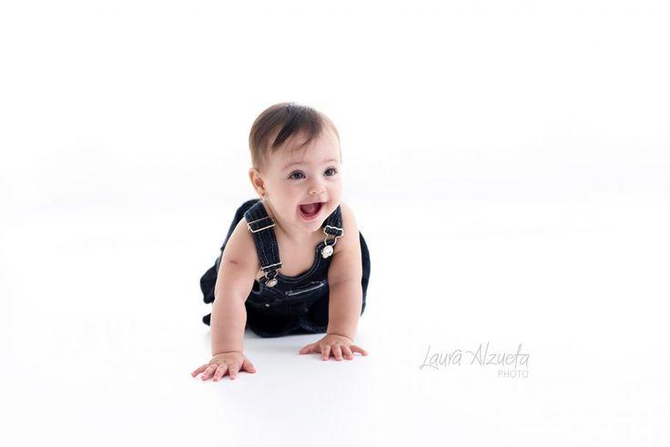 fotografia de familia: A Nina é uma bebe encantadora!! A pequena veio fazer seu primeiro ensaio com 8 meses. O casal Tiago e Gabi compartilham suas experiências no dia a dia com suas filhas no You Tube. Confiram!