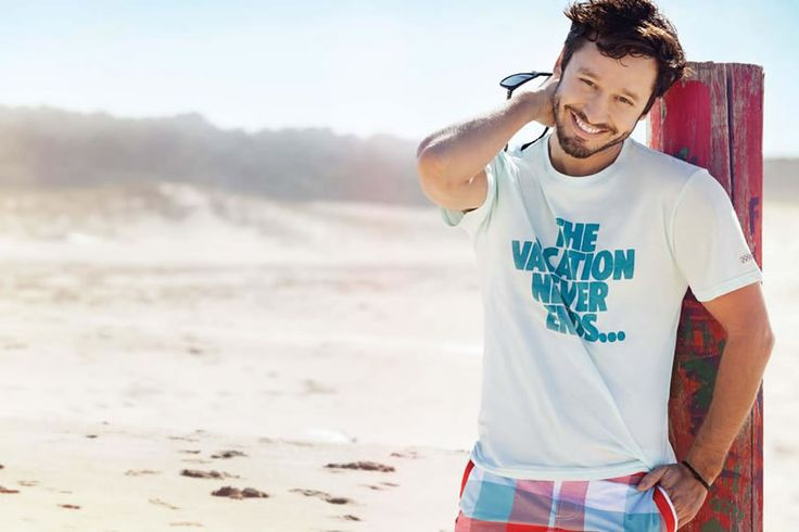 Benjamin Vicuña. Chilean Actor for Penguin | Argentina wearing a white Graphic Tee.
