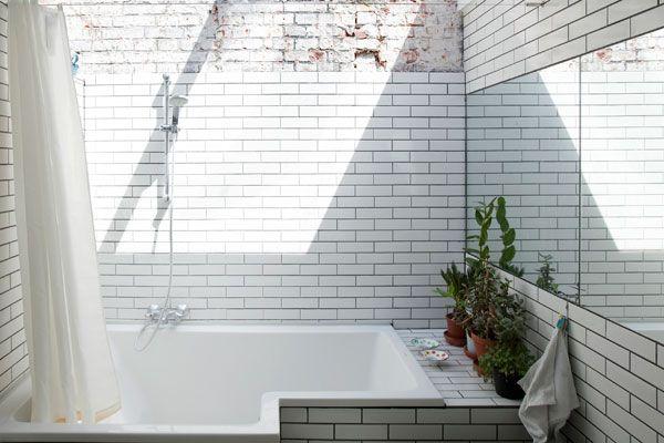 natural light: Kitchens Interiors, White Tile, Living Rooms, Decor Kitchens, Kitchens Design, Modern Bathroom Design, Interiors Design Kitchens, Subway Tile, Modern Kitchens