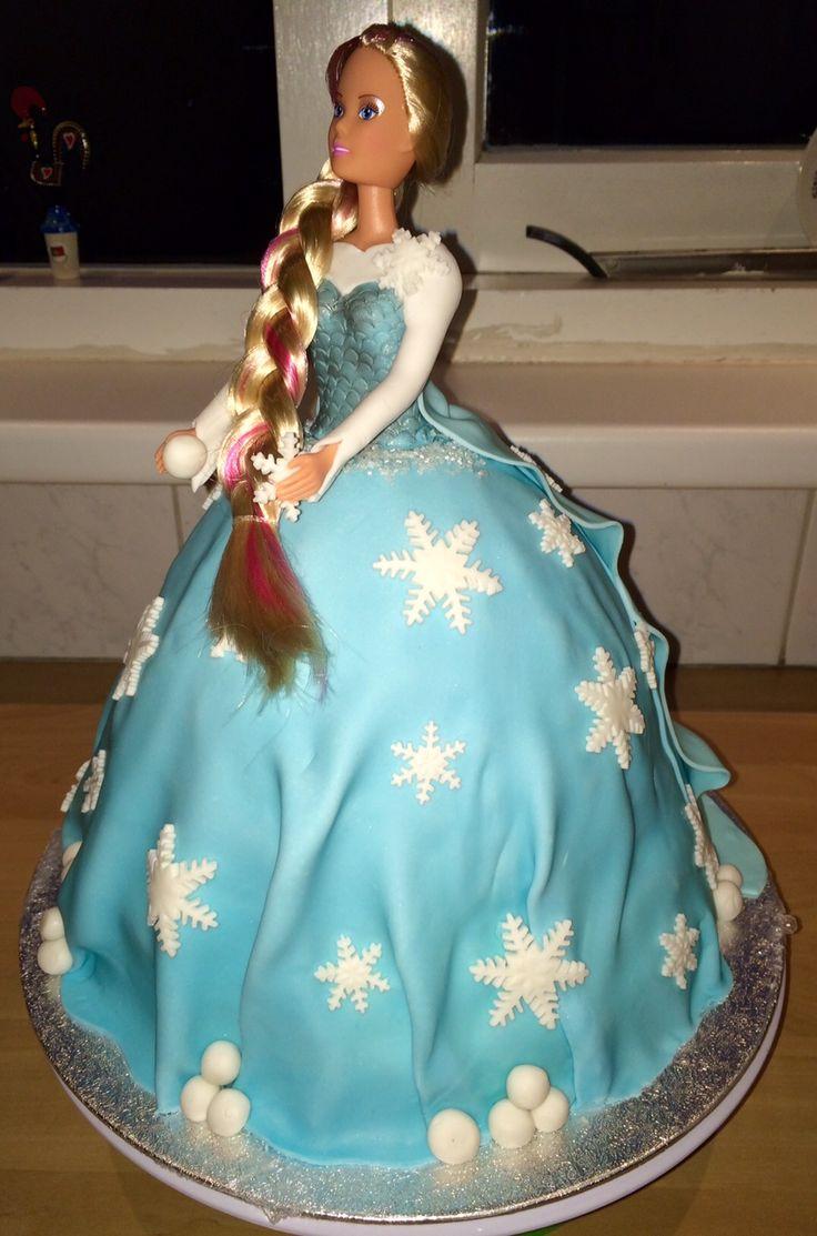 Disney Elsa doll Frozen, made it for practice and it is a beauty..... Disney Elsa pop uit Frozen, gemaakt om te oefenen en het is redelijk gelukt....