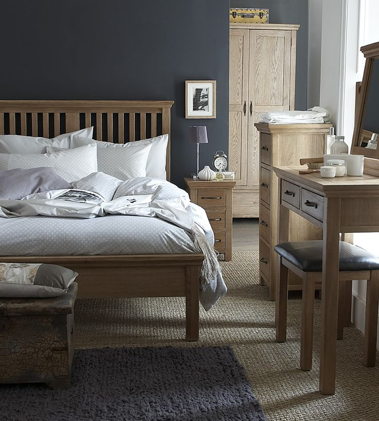 Our Winchester Oak Range is incredibly popular and it's not hard to see why. Lovingly crafted from oak with oak veneer, this durable, traditional range of furniture is famous for the gorgeous detailing on its oak tops. The chunky tops create a sophisticated look and feel that's sure to impress friends and relatives. Each item is complimented by satin handles that simply ooze class, alongside an oil finish that allows the natural characteristics of the premium oak to come to the fore. This…