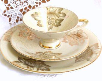 English floral tea cup Royal Albert Enchantment by minoucbrocante