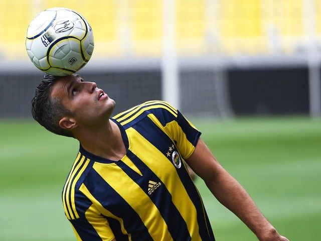 Transfer Talk Daily Update: Robin van Persie, Alexandre Lacazette, Alvaro Arbeloa
