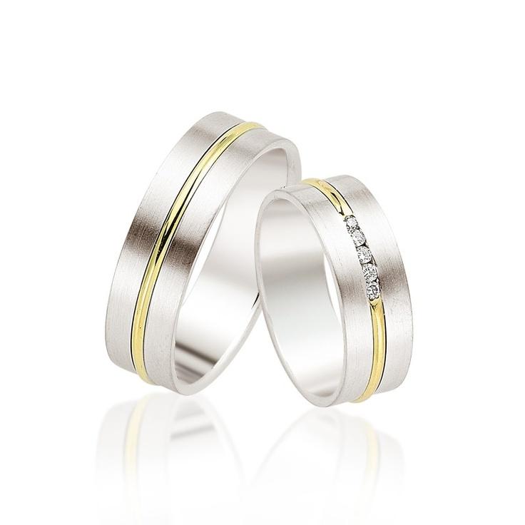 Verighetele Pacific din colectia Manual sunt caracterizate prin echilibru: latime potrivita, combinatie de aur alb cu aur galben si doar 5 diamante sau cristale, dupa preferinte.   http://goo.gl/0zYGc