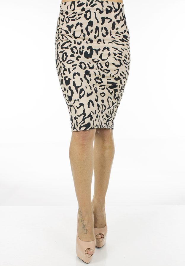 Fusta Dama Big Spot  Fusta dama midi, din material elastic ce contureaza frumos silueta.  Imprimeu indraznet cei da un plus de senzualitate.     Lungime: 58cm  Latime talie: 36cm  Compozitie: 95%Bumbac, 5%Elasten