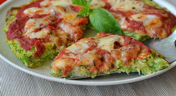Pizza à la pâte aux courgettes Weight watchers, pizza à base de la pâte aux courgettes, une recette légère facile, simple et rapide à réaliser.