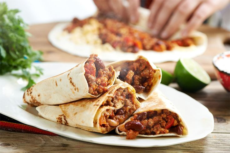 Przepis na burrito po meksykańsku z mięsem mielonym, czerwoną fasolą i Kostką Mięsną WINIARY to tylko jedna z naszych wielu inspiracji kuchnią Meksyku!