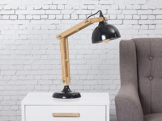 Stoere bureaulamp met glanzend metaal en warm hout voor een mooi contrast