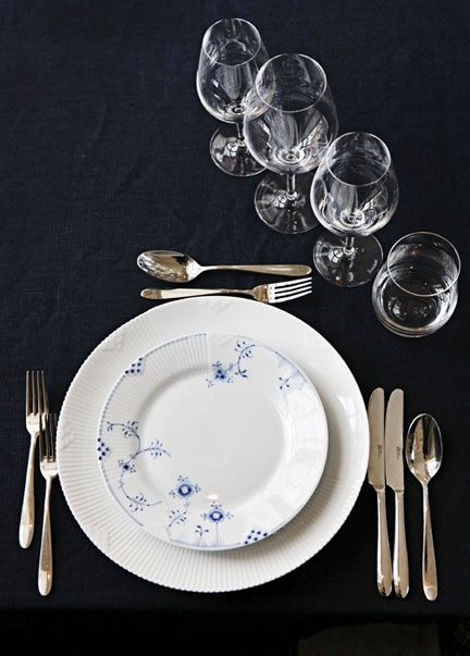 Royal Copenhagen Blue Elements Dinnerware | Gracious Style