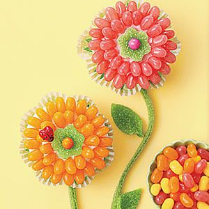 Jellybean flower cupcakes. Perfect for leftover jellybeans.
