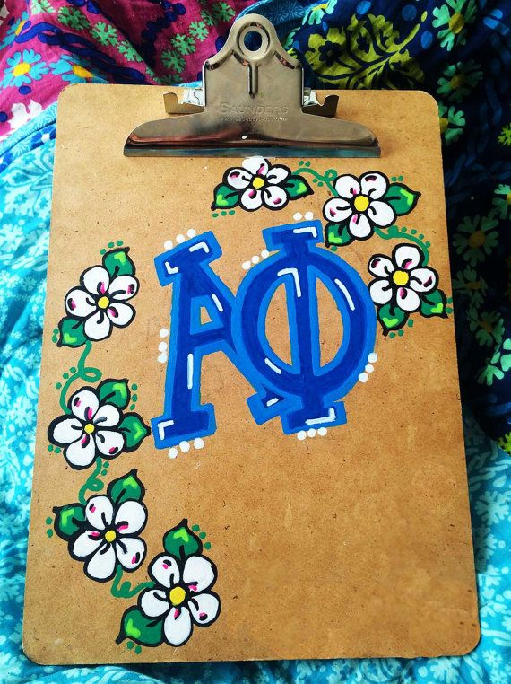 Hand-painted clipboard, perfect for your little or for yourself! Customized to your sorority, your initials, your BFFs initials, etc.