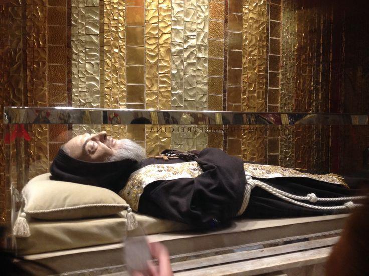 Padre Pío de Pietrelcina, Su Cuerpo incorrupto. En San Giovanni Rotondo, Italia