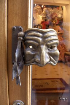 artie door handle