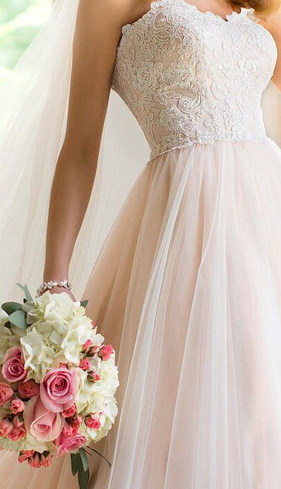 Adore the lace and pale pink♡