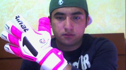 Comienzan a tuitearnos fotos en acción o con sus guantes Rinat ¿y la tuya?