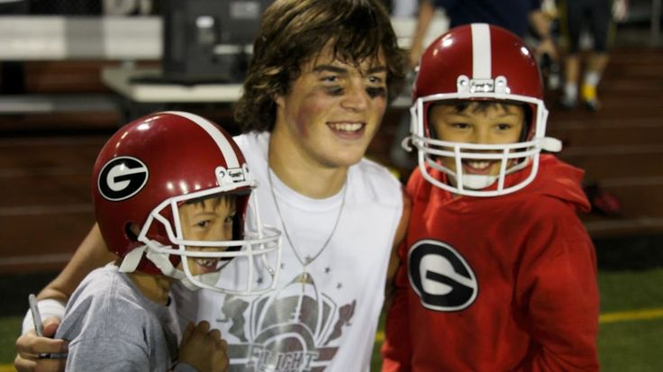 The nation's No. 1 quarterback for the Class of 2016 is still going to play at UGA. Jacob Eason, the 5-star quarterback from Lake Stevens High School in Washington, reaffirmed his commitment to UGA on Tuesday. Eason had wavered over the last 10 days in the transition after Mark Richt was fired and Kirby Smart …