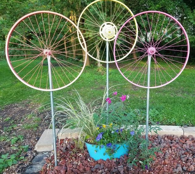 Gardenised Decorative Antique Wagon Wheel Garden Art Qi003093 M A Quality Crafted Hardwood That Will Make Rustic Statement