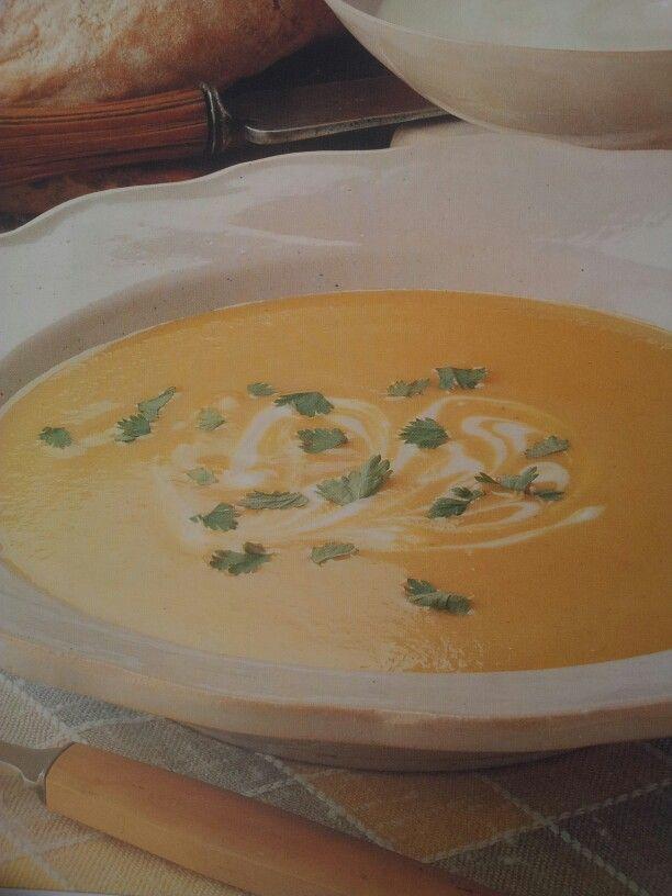 Supa aromata de pastarnac si mere - RD Retete de 30 min - pag. 38