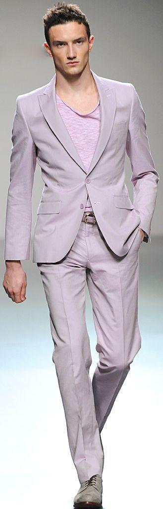 cu costumul lila de la Zara cu coate bleumarin si pantofi gri piele intoarsa (merge si cu tricou marinaresc bleumarin si loaferii bleumarin )...sau cu tricoul marinaresc cu dungi visinii si pantofii lac visinii