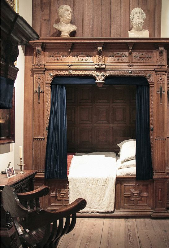 Medieval France Actually Had the Perfect Bedroom Solution for a Studio Apartment