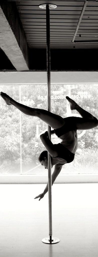 Simply stunning #poledancing