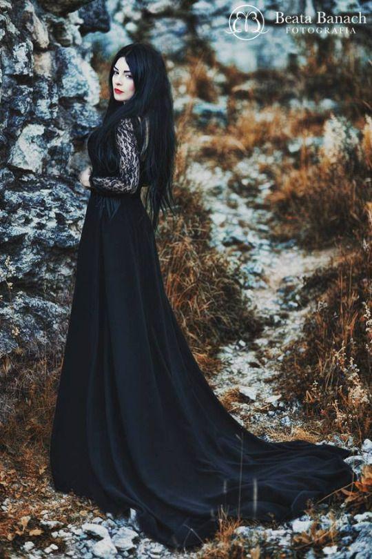 Gothic Woman / Black Dress / Lace / Dark Fashion Photography / Gothique Girl // ♥ More at: https://www.pinterest.com/lDarkWonderland/