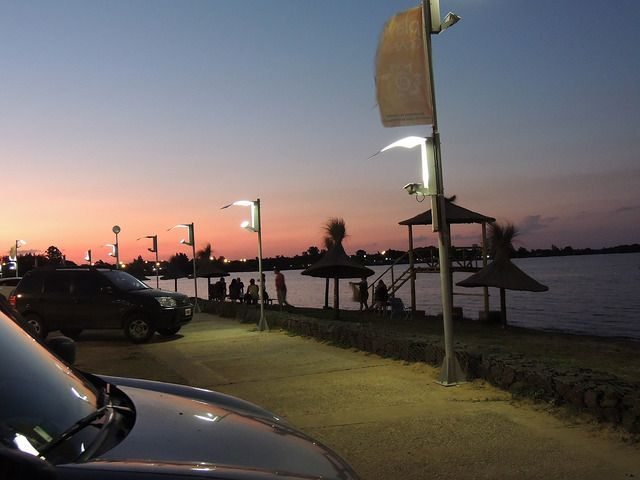 <p>Destaca el lago de Salto Grande, donde los turistas realizan actividades acuáticas, deportes y pesca deportiva. Se encuentra cerca del embalse represa de Salto Grande, sobre el majestuoso Río Uruguay. </p>