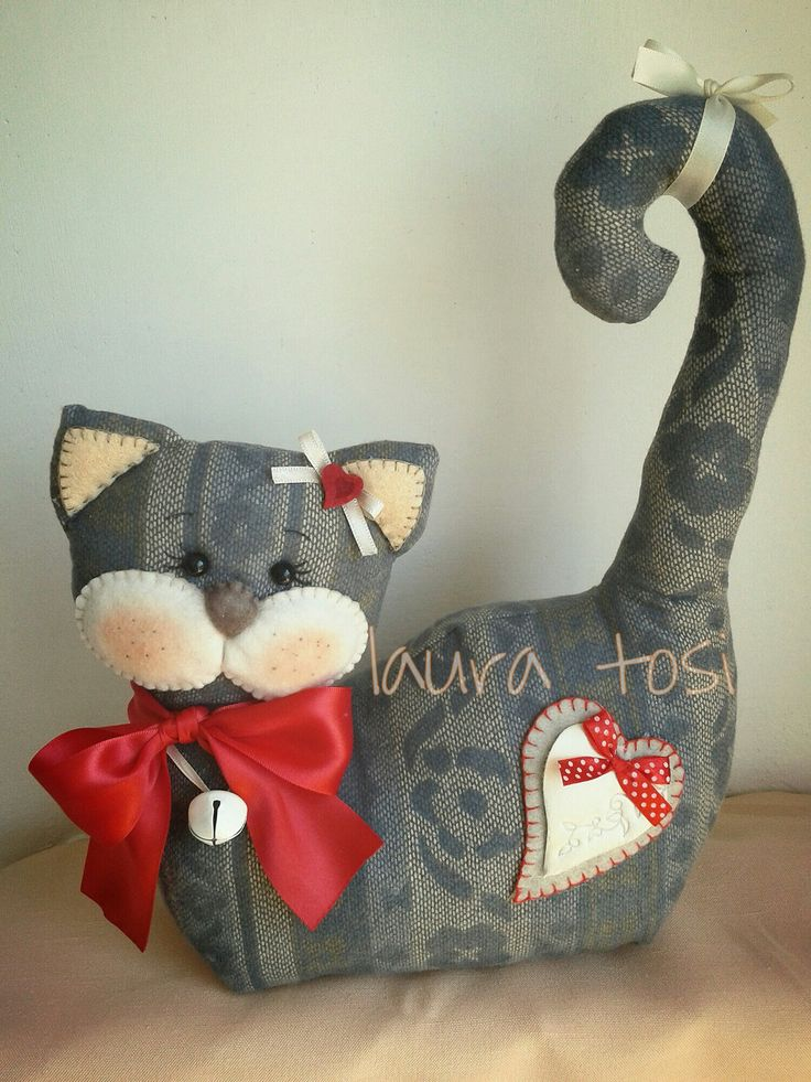 doorstop cat...No instructions, but it looks pretty straight forward in how to make...cute