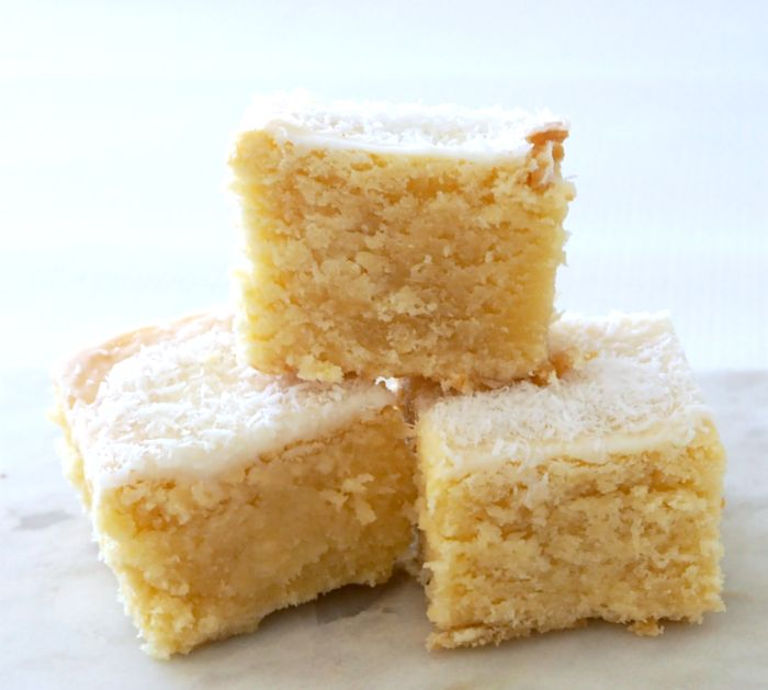 Along with tasting ah-mazing this Lemon and Coconut Blondie recipe can be made using just one saucepan (or a Thermomix bowl!) making it super speedy to make