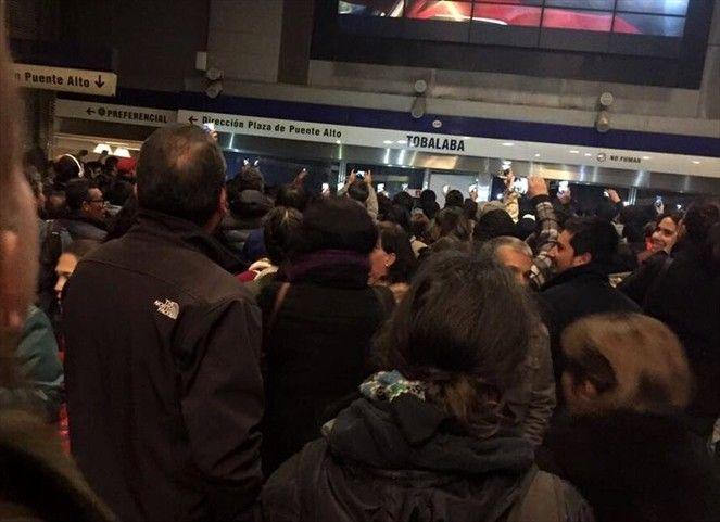 El tren subterráneo asegura que el guardia 'en ningún momento agredió al joven'.