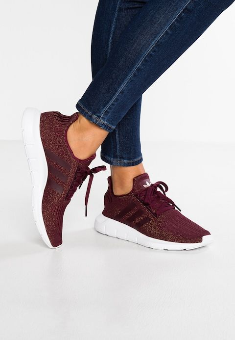 96cd6afd162d2 adidas Originals SWIFT RUN - Sneaker low - maroon footwear white -  Zalando.de