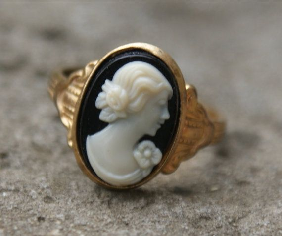 VINTAGE Cameo Ring  by EarlyBirdTwo on Etsy, $12.00