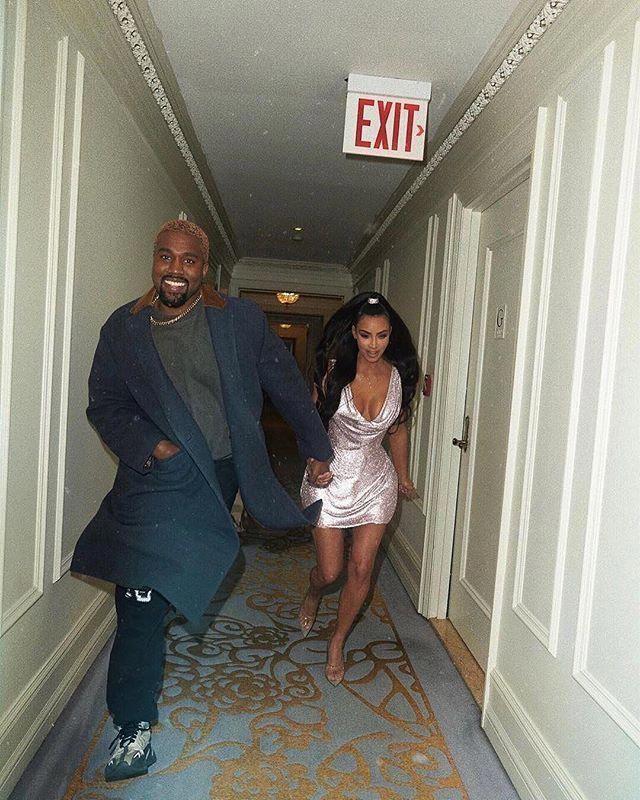 Run For Love Kimkardashian Kanyewest Kimkardashian And Kanyewest Having Fun Running Kim Kardashian Outfits Kim Kardashian Wallpaper Kim Kardashian Wedding