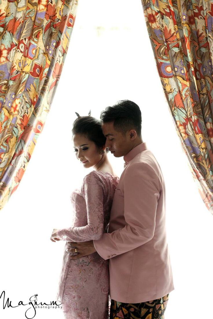 Cause youre the apple to my pie, youre the straw to my berry #taupe #mauve #preweddingjawa #javaneseprewedding #prewedding