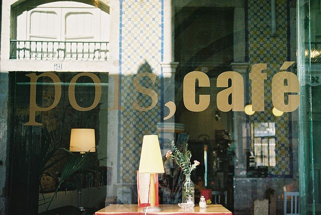 Pois Café is like a huge living room. It's the perfect place for comfort food and drinks.  Discover restaurants, bars, shops, clubs & cultural hotspots that locals love in Lisbon: www.10thingstodo.in
