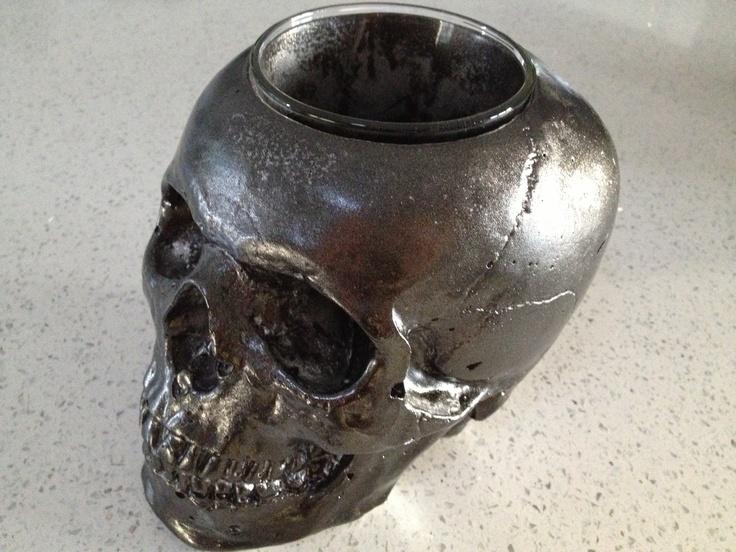Skull vase, metallic Charcoal - Kreepy Kulture