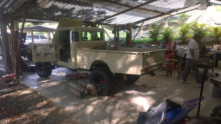 FJ45 El Diviso Garage - final stage for 1980 FJ45