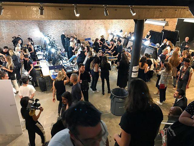 Backstage #helmutlang equipos de producción , maquillaje , peinados y modelos se preparan para un show que pinta atrevido , callejero y con un casting muy interesante . . . . . . . #nyfw#backstage #newyork #fashionisart #semanadelamoda nyfw,helmutlang,newyork,fashionisart,semanadelamoda,backstage Via https://www.instagram.com/p/BY7Vzj3nbYW/ Credit - Con Kika Rocha & Natalia Mejia [̲̅p̲̅][̲̅u̲̅][̲̅r̲̅][̲̅c̲̅][̲̅h̲̅][̲̅a̲̅][̲̅s̲̅][̲̅e̲̅] ᴄᴜᴛᴇ ᴅʀᴇssᴇs, ᴛᴏᴘs, sʜᴏᴇs, ᴊᴇᴡᴇʟʀʏ & ᴄʟᴏᴛʜɪɴɢ ғᴏʀ ᴡᴏᴍᴇɴ