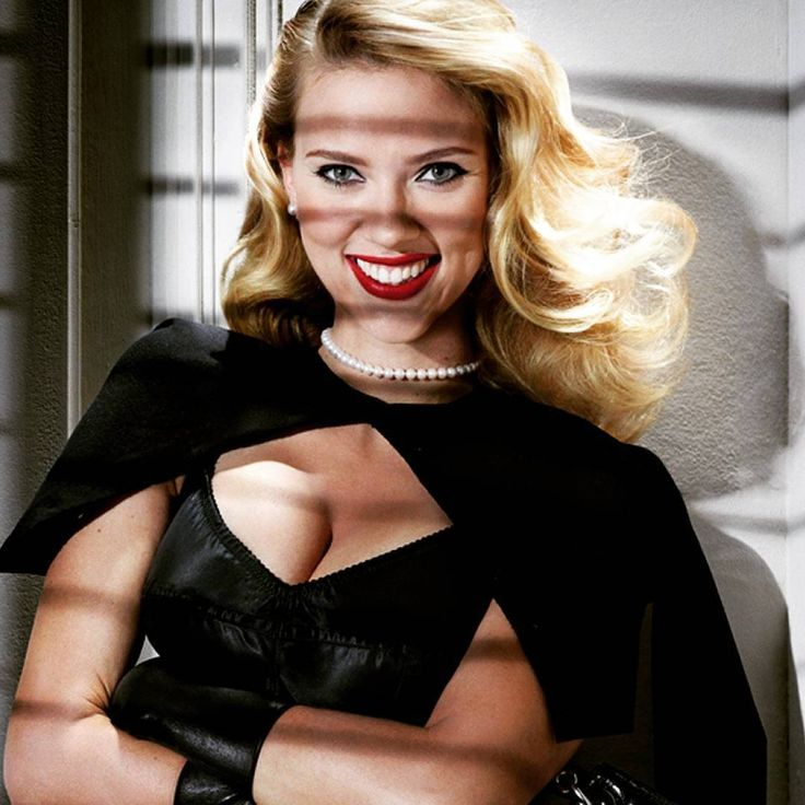 Scarlett Johansson with a pearl necklace