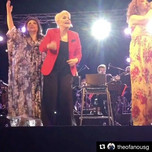 About last night • Μαρινέλλα/Βιτάλη/Γλυκερία: Η συναυλία που μάγεψε το κοινό, με την Ελένη Βιτάλη να επιλέγει #matfashion για τις εμφανίσεις της! (floral φόρεμα 671.7333) Repost @theofanousg ・・・